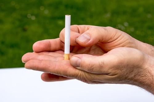 タバコを控える(特に就寝前)